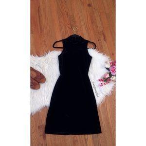 🌿 Vtg 90's Black Velvet Mock Neck Mini Dress 🌿